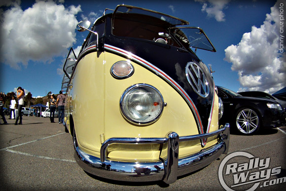 Custom Volkswagen Bus