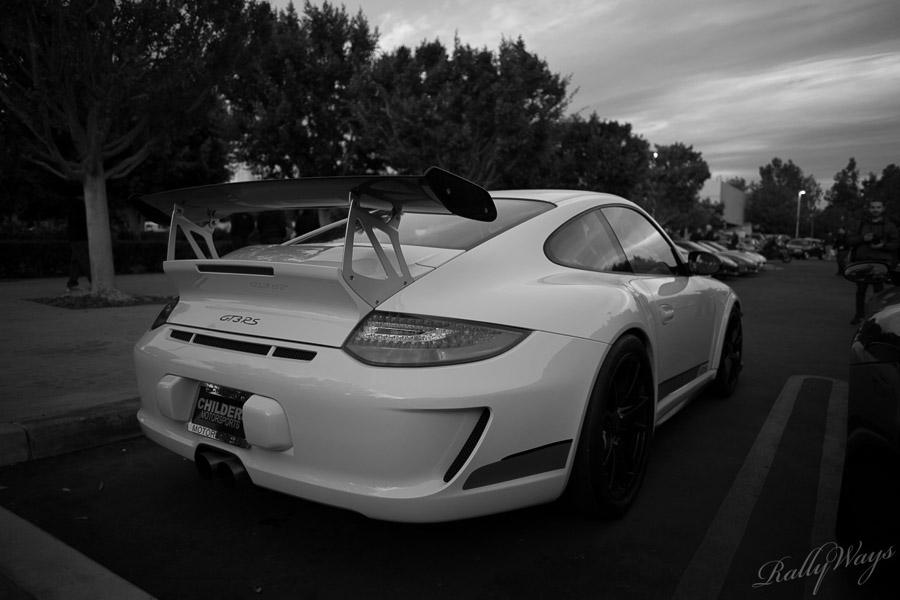 Porsche 911 GT3 RS in Black and White