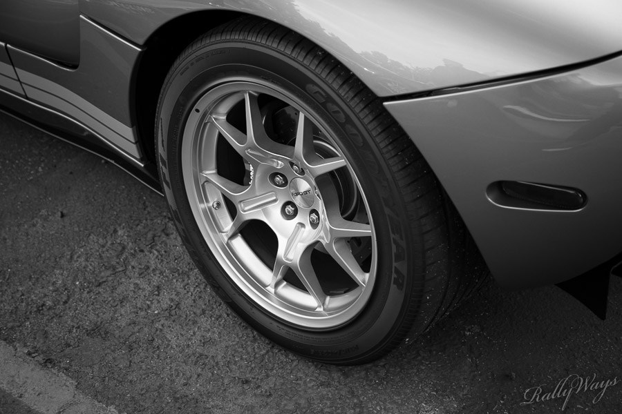 Ford GT Wheel and Tire