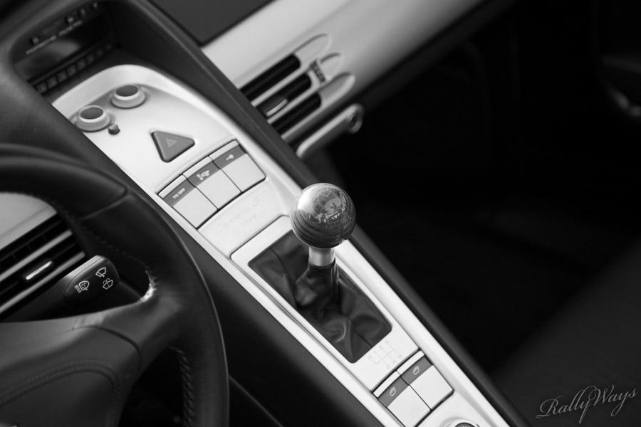 Center console - Porsche Carrera GT