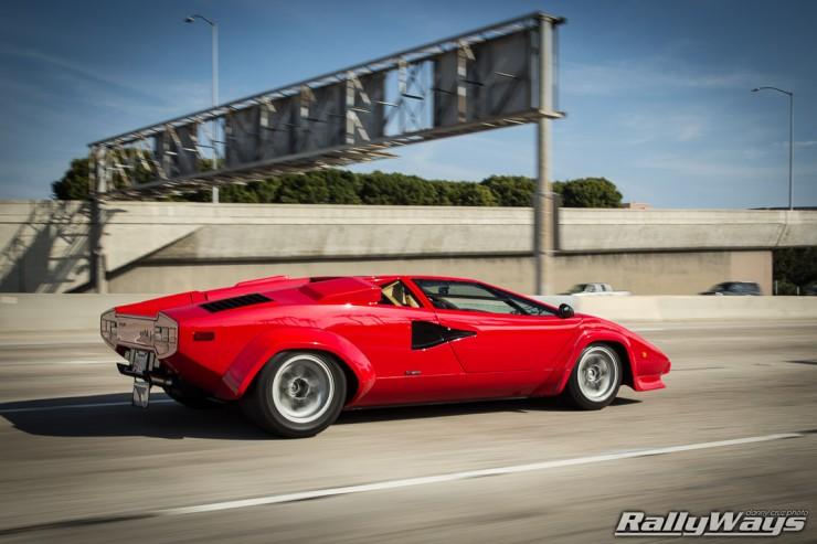 Lamborghini Countach Rolling 1