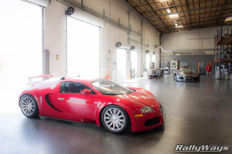 Glowing Bugatti Veyron at HREOH 2014