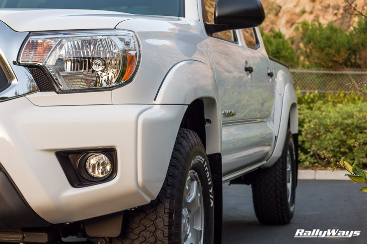 Toyota Tacoma White Perfectly Clean