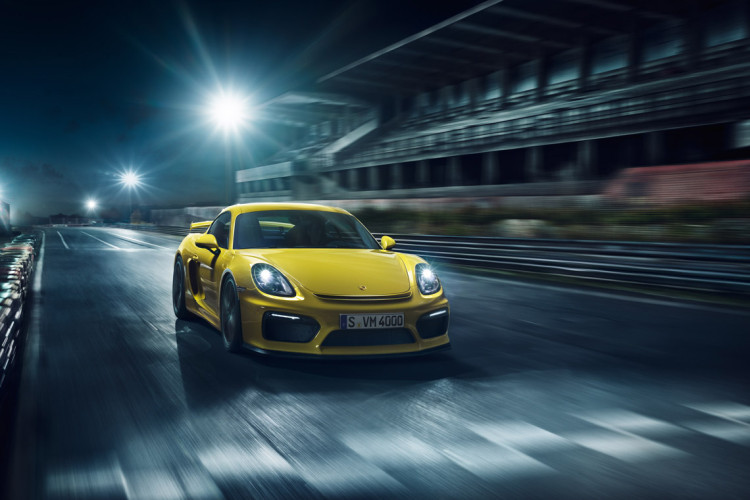 Cayman GT4 in Action