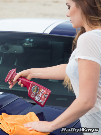 Quick Detailer is ideal to keep your car clean.