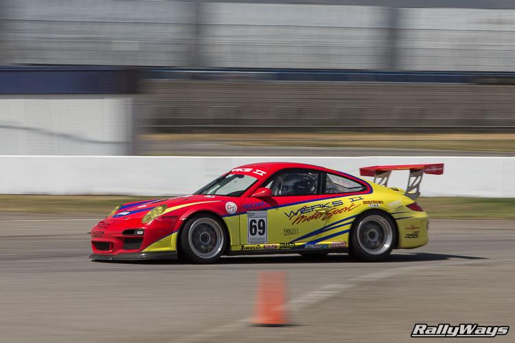 Porsche 911 at Turn 16