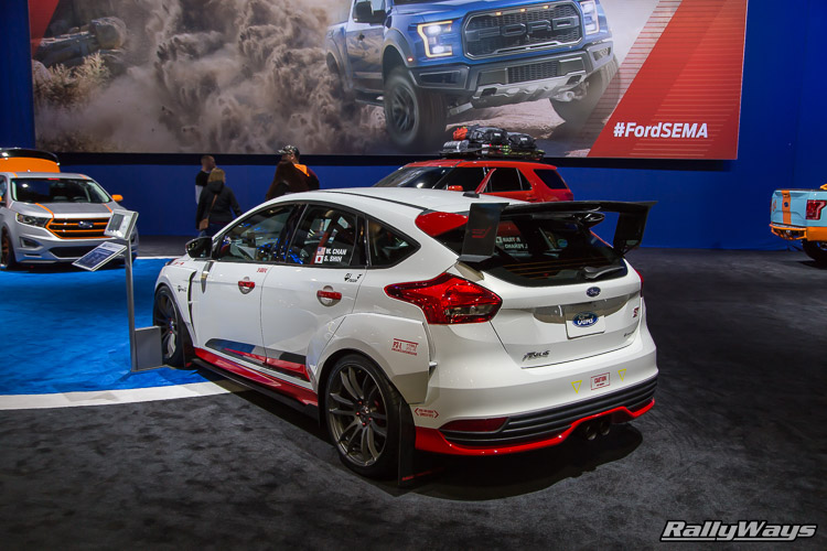 Rally Innovations Ford Focus ST SEMA 2015 - 2