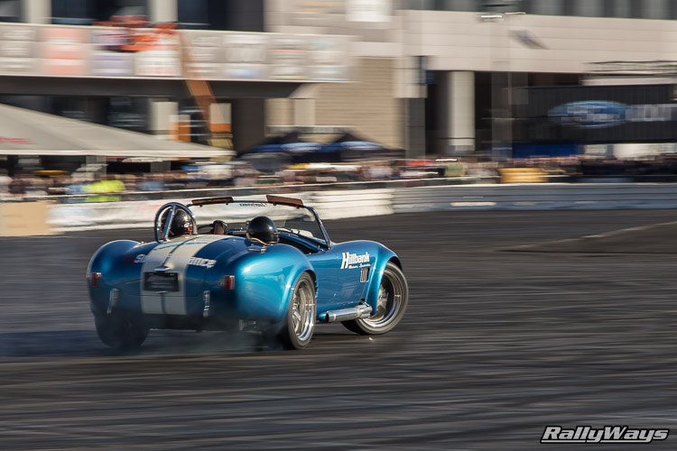 Superformance Ford Shelby Cobra Drifting