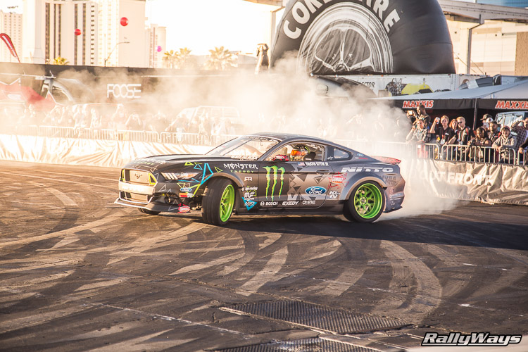 Ford SEMA Mustang Drifting Demo Sequence 8 of 12