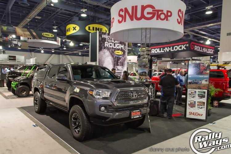 SNUGTop Toyota Tacoma 2016